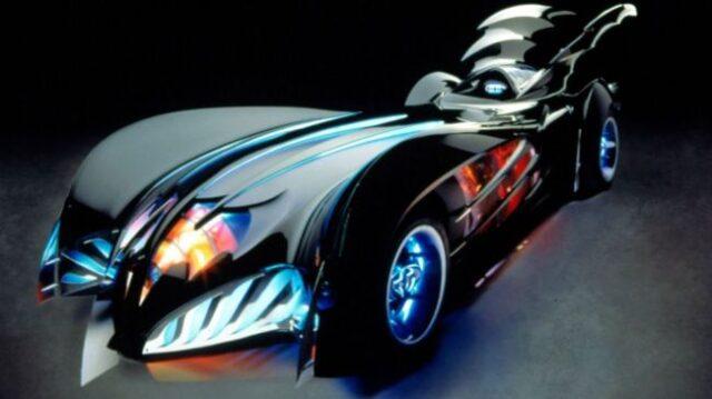 Batman-and-Robin-Batmobile-650-80