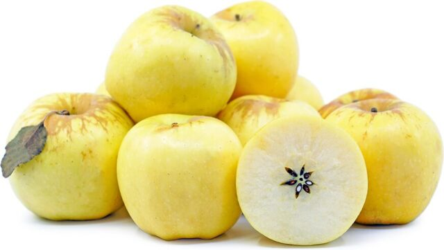 Calories in small golden delicious apple small