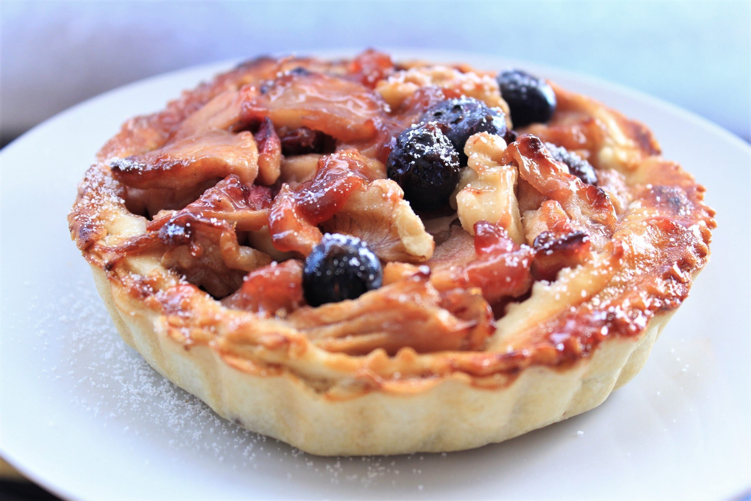 apple blueberry tart