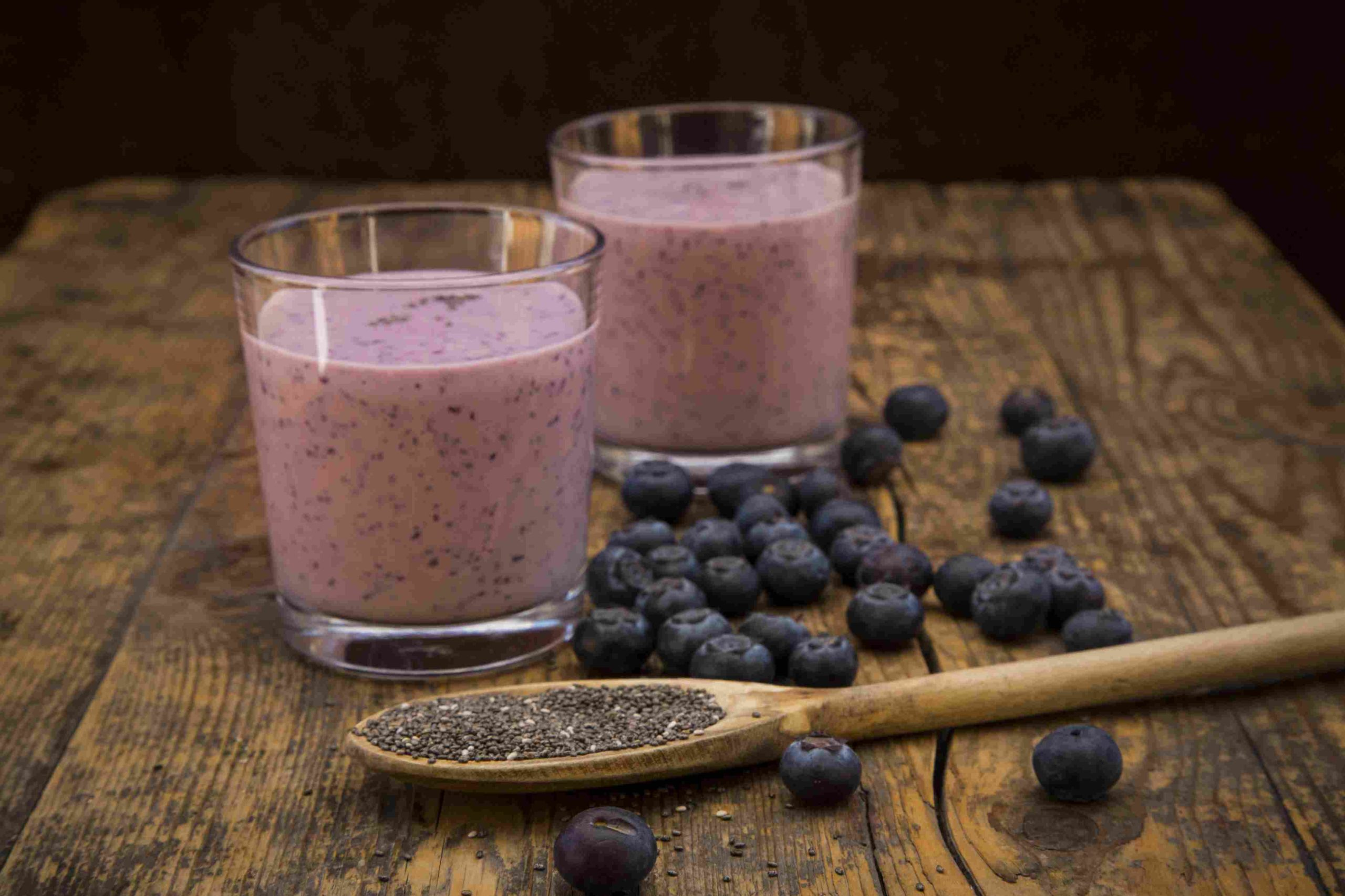 Apple blueberry smoothie/refreshing and satisfying combo