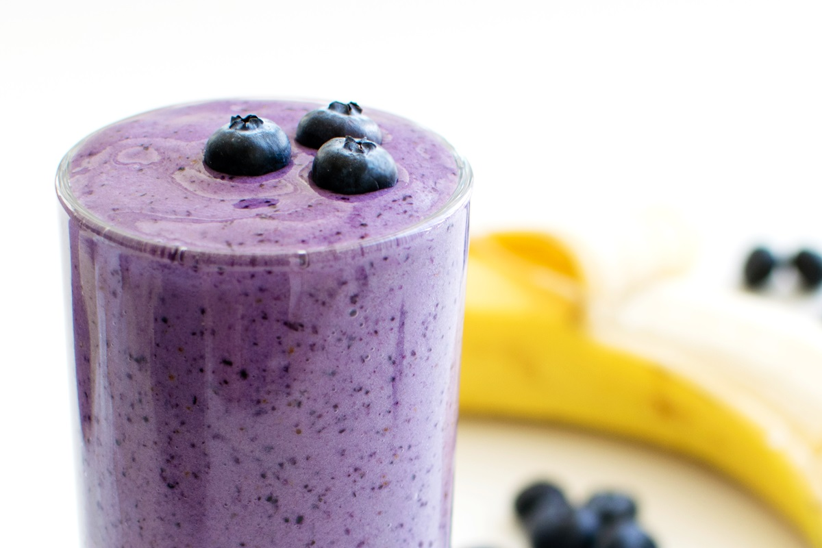 apple blueberry banana smoothie