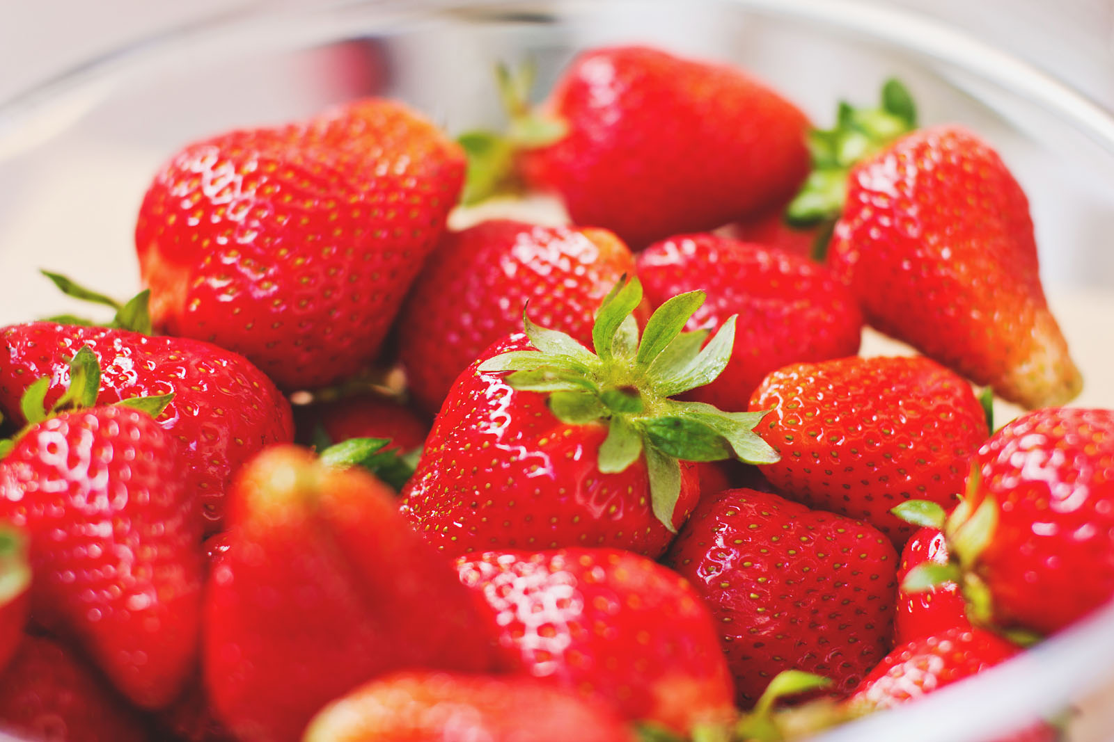 apples good for teeth strawberries