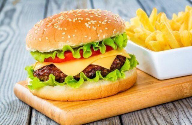 calories in homemade double cheeseburger