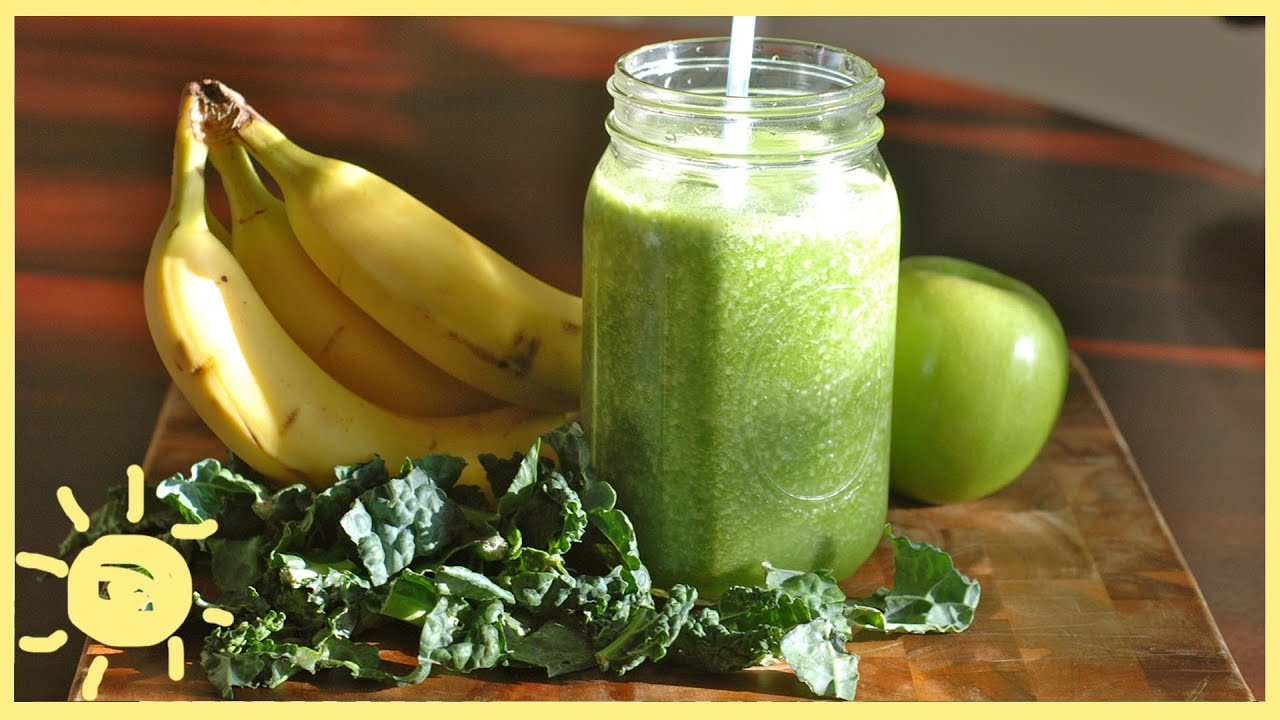 Apple and banana smoothie/healthy and nutritional addition