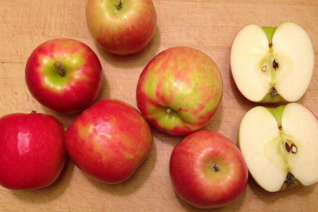 pink lady apple texture